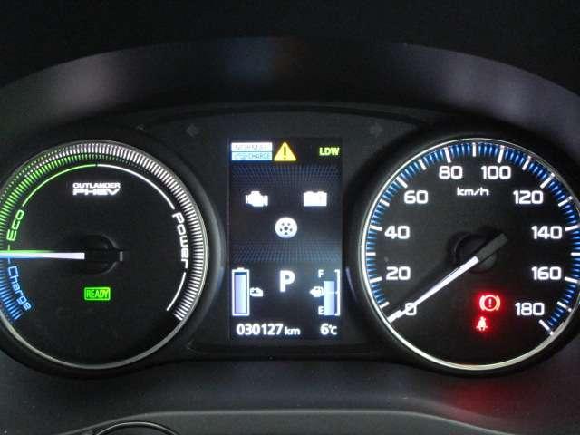 Gセーフティパッケージ 1オーナー 100VAC電源 SDナビ 車検整備付(12枚目)