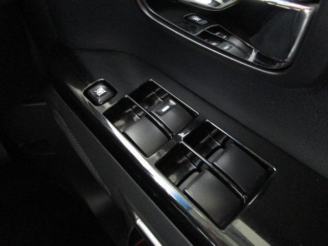 ローデスト ロイヤルツーリング 1オーナー SDナビ 両側電動スライドドア フルセグTV 電動テールゲート 後席モニター(45枚目)