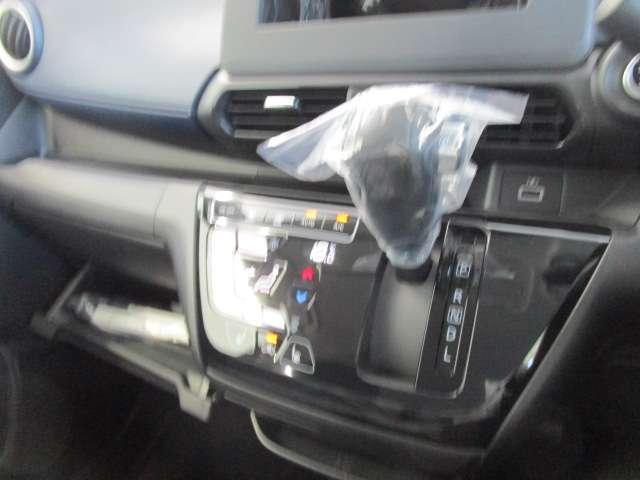 G サポカーS 届出済未使用車 全方位カメラ 衝突被害軽減ブレーキ 誤発進抑制機能 フォグ シートヒーター スマートキー(13枚目)