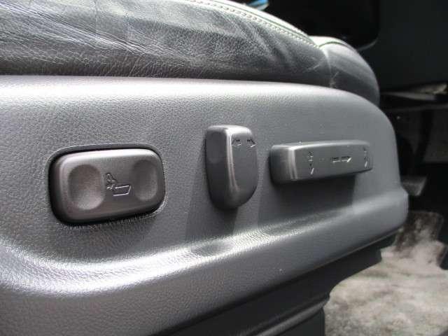 ホンダ CR-V 24G レザーパッケージ インターナビ 4WD 本革シート フル