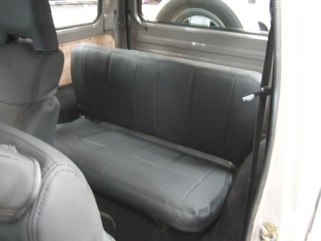 EC 4WD パノラミックルーフ 5MTシートカバー(11枚目)