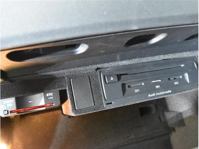 1.8TFSI 当社買い取りダイレクト販売車 マトリクスLEDライト バーチャルコクピット(27枚目)