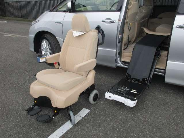 トヨタ エスティマハイブリッド Xウェルキャブ サイドリフトUP着脱電動シートAタイプ