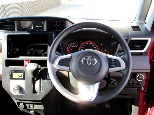シンプルでかわいらしい運転席周り!