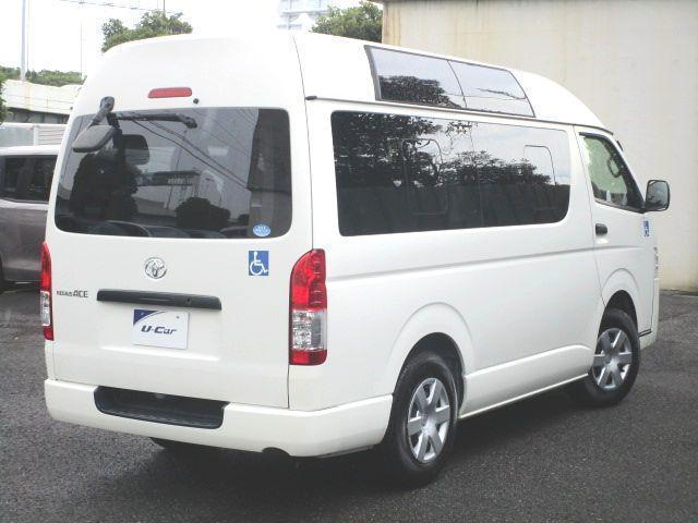 ロングDX 2.0ガソリン ウェルキャブ 車いす仕様 Cタイプ ルーフサイドウインド付 10人乗 トヨタセーフティセンス無し 福祉装備付 カーテン付 8ナンバー 乗降用てすり 未登録中古車(5枚目)