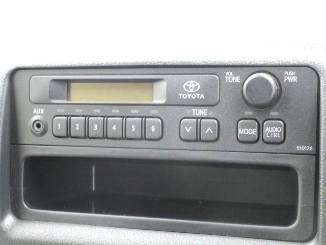 ロングDX 2.0ガソリン ウェルキャブ 車いす仕様 Cタイプ ルーフサイドウインド付 10人乗 トヨタセーフティセンス無し 福祉装備付 カーテン付 8ナンバー 乗降用てすり 未登録中古車(9枚目)