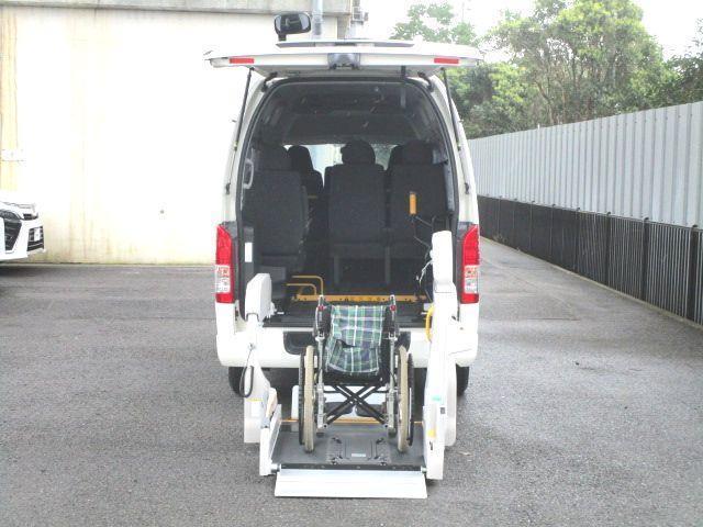 ロングDX 2.0ガソリン ウェルキャブ 車いす仕様 Cタイプ ルーフサイドウインド付 10人乗 トヨタセーフティセンス無し 福祉装備付 カーテン付 8ナンバー 乗降用てすり 未登録中古車(12枚目)