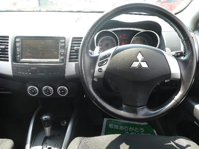 G 4WD 7人乗り 純正HDDナビBカメラETCスマートキ(3枚目)