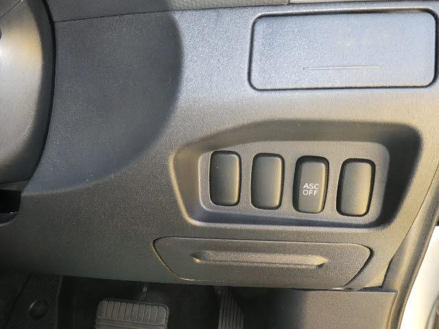 G 4WD 7人乗り 純正HDDナビBカメラETCスマートキ(20枚目)