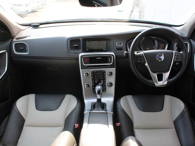 クロスカントリー T5 AWD SE フロントカメラ RSE(4枚目)