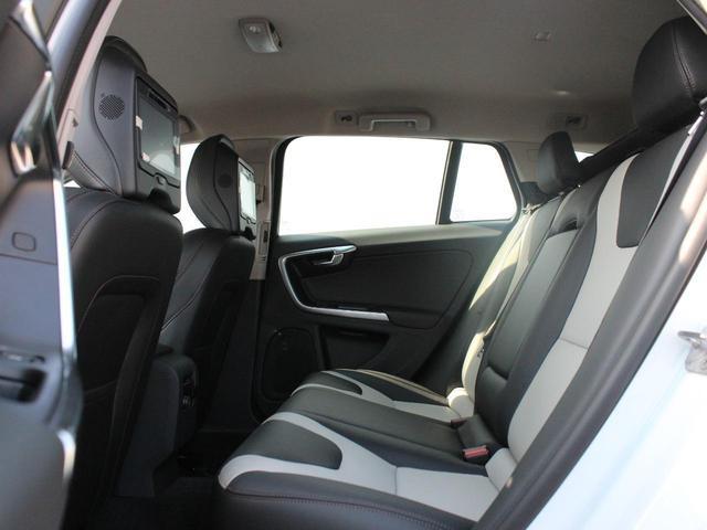 クロスカントリー T5 AWD SE フロントカメラ RSE(14枚目)