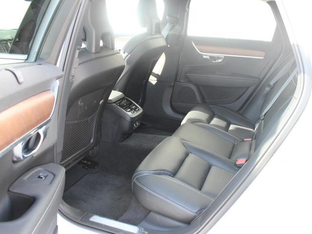 T6 AWD インスクリプション ワンオーナー 黒本革シート(12枚目)