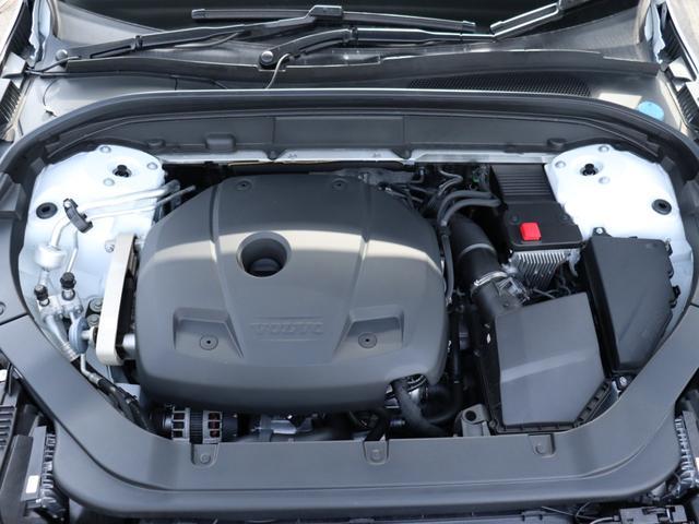 187kW(254ps)/350Nm(35.7kgm)の直噴ガソリンターボエンジンは、高速道路でも市街地でも、あなたの意思に即座に応えるレスポンスを備えています。