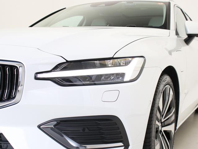 リチャージ PHV T6 AWD インスクリプション PHEV AWD クライメートPKG 前後純正ドラレコ 前後シート&ステアリングホイールヒーター 白革 harman/kardonプレミアムサウンド パワーテールゲート クリスタルシフトノブ キーレス(13枚目)
