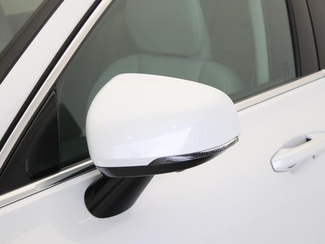 リチャージ PHV T6 AWD インスクリプション PHEV AWD クライメートPKG 前後純正ドラレコ 前後シート&ステアリングホイールヒーター 白革 harman/kardonプレミアムサウンド パワーテールゲート クリスタルシフトノブ キーレス(14枚目)