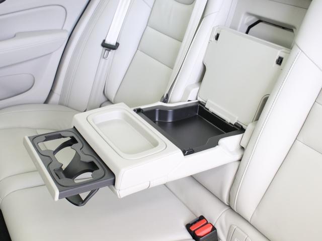 リチャージ PHV T6 AWD インスクリプション PHEV AWD クライメートPKG 前後純正ドラレコ 前後シート&ステアリングホイールヒーター 白革 harman/kardonプレミアムサウンド パワーテールゲート クリスタルシフトノブ キーレス(37枚目)