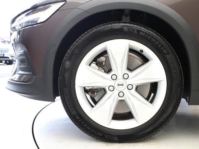 クロスカントリー T5 AWD レザーパッケージ メープルブラウンメタリック 前後純正ドラレコ キーレス LEDヘッドライト シートヒーター リアカメラ&360度カメラ 緊急エマージェンシーブレーキ フロント8ウェイパワーシート(7枚目)