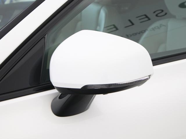 クロスカントリー T5 AWD レザーパッケージ 白革 フロント8ウェイパワーシート&シートヒーター キーレスエントリー パワーテールゲート ダークティンテッドガラス 360度ビューカメラ 18インチアルミ パワーチャイルドロック(14枚目)