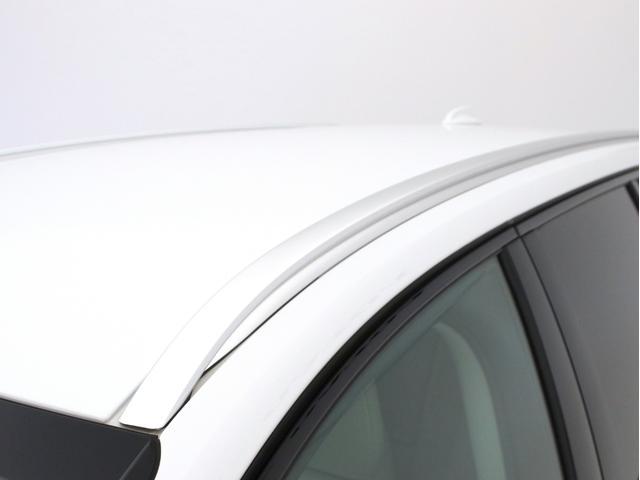 クロスカントリー T5 AWD レザーパッケージ 白革 フロント8ウェイパワーシート&シートヒーター キーレスエントリー パワーテールゲート ダークティンテッドガラス 360度ビューカメラ 18インチアルミ パワーチャイルドロック(16枚目)