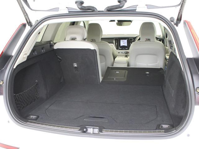 クロスカントリー T5 AWD レザーパッケージ 白革 フロント8ウェイパワーシート&シートヒーター キーレスエントリー パワーテールゲート ダークティンテッドガラス 360度ビューカメラ 18インチアルミ パワーチャイルドロック(25枚目)