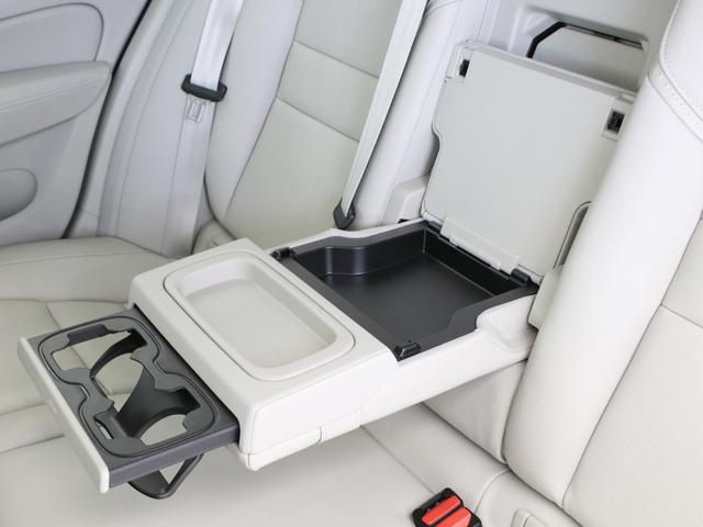 クロスカントリー T5 AWD レザーパッケージ 白革 フロント8ウェイパワーシート&シートヒーター キーレスエントリー パワーテールゲート ダークティンテッドガラス 360度ビューカメラ 18インチアルミ パワーチャイルドロック(34枚目)