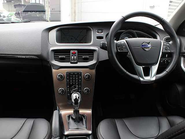 ボルボ ボルボ V40 クロスカントリーT5AWD SE16Y ポールスターP 装備