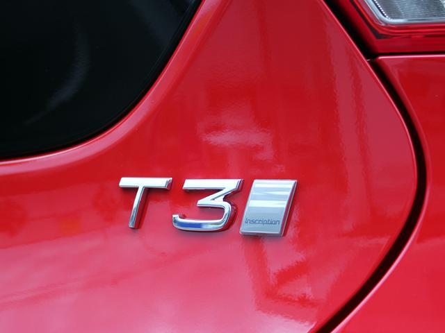 ボルボ ボルボ V40 T3 インスクリプション アンバーレザー モダンウッドパネル