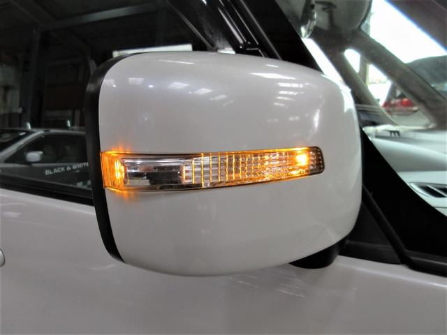 LEDサイドターンライト付ドアミラー☆相手からの視認性も高いので安心&安全ですね◎