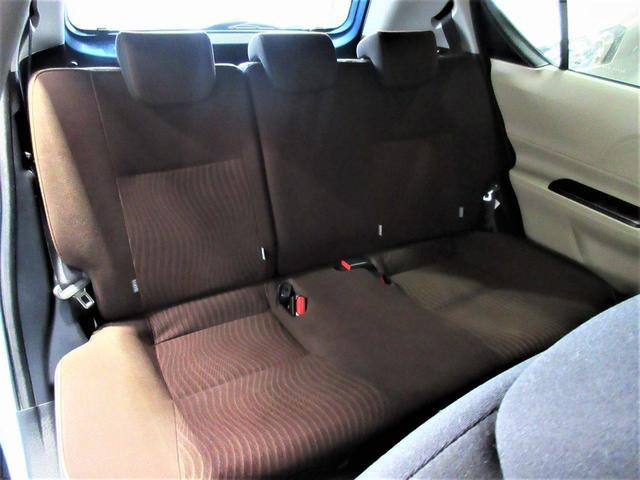すわり心地の良い専用シート♪もちろん運転席・助手席共にシートもヘタリ・シミ・ほつれ・破れ等もなくキレイな状態です◎一番ダメージが出やすい運転席もキレイです