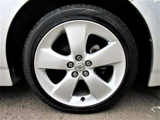 プリウスG用17インチアルミ。タイヤの溝は7.5分山はあります。