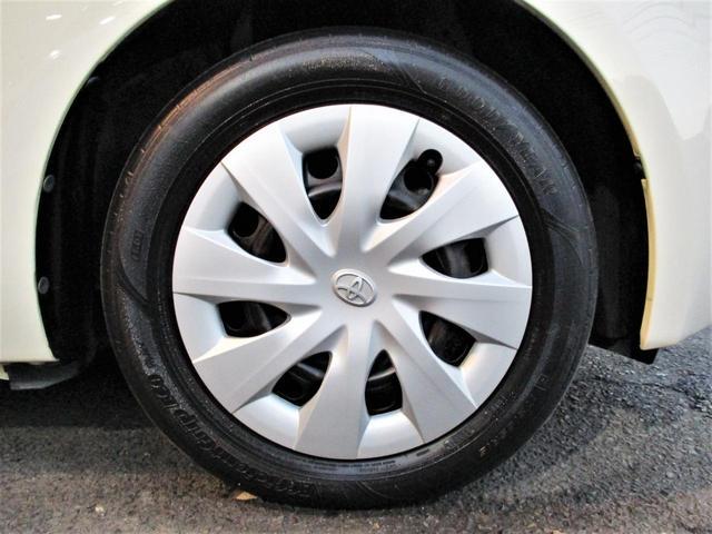 タイヤサイズは175/65R15です。4本共にGOODYEAR製タイヤが付いております☆タイヤの溝も5分山程度は残っておりすぐに交換する必要ありません!気になる方は新品タイヤへ交換も可能です☆