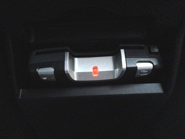 2.0GT ターボスマートキープッシュスタートSIドライブHIDライトフォグライト純正アルミエアロブラックハーフレザーシートHDDナビ地デジTVバックカメラETC記録簿(18枚目)