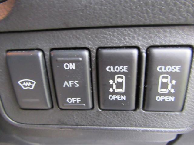 日産 エルグランド HS4WD 純ナビBカメラ両側電動ドア黒半革ETC8人乗り