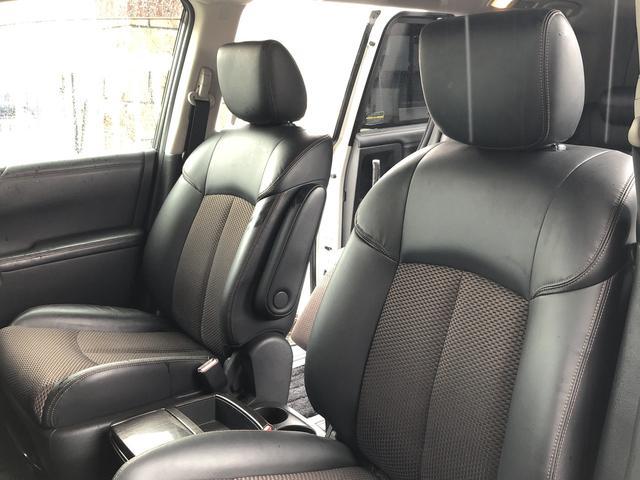 内外装ともに綺麗な状態でおすすめの車両です!お早めにお問い合わせくださいませ!