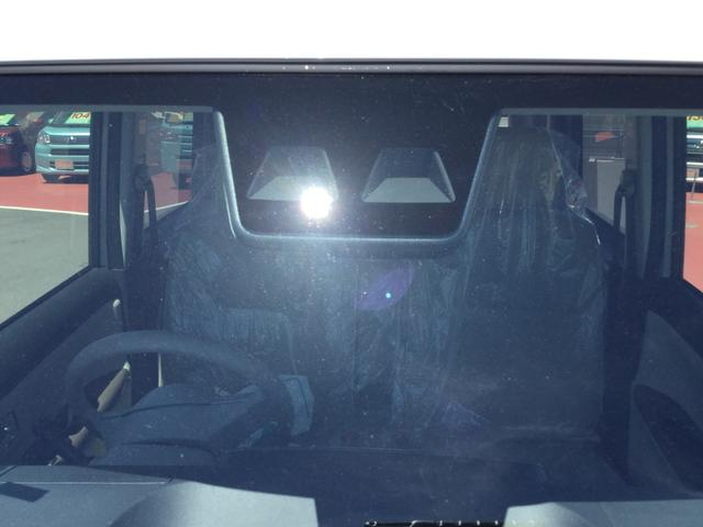 ステレオカメラが前方の車両や歩行者を検知して、衝突の可能性があると警報してくれます!ドライバーの安全運転に対する注意喚起を行います。