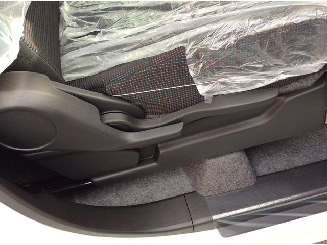 ハイブリッドX 両側電動スライドドア スマートキー 衝突軽減装置 届出済未使用車(18枚目)