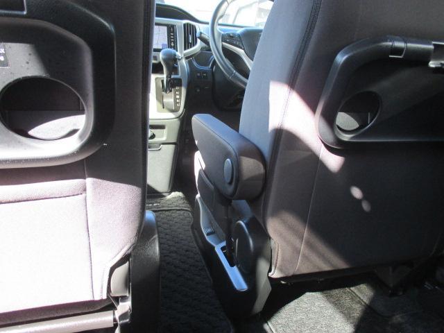 HYBRID MZ MA36S 後席両側電動スライドドア(12枚目)