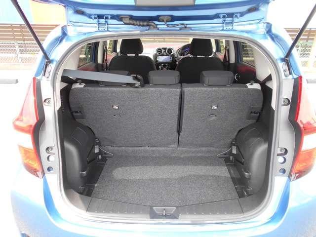4名乗車でも、ベビーカーを1台積載することが可能