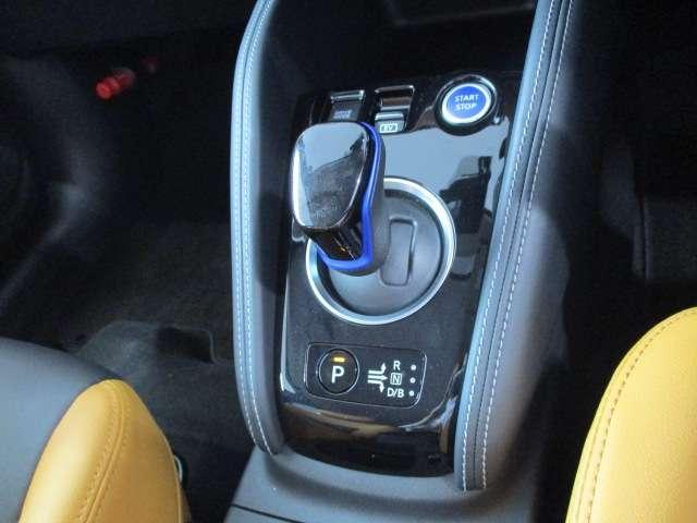 ガソリンで充電し、電気で走るパワートレイン。電気自動車のようなレスポンス・加速性を楽しむことができます。