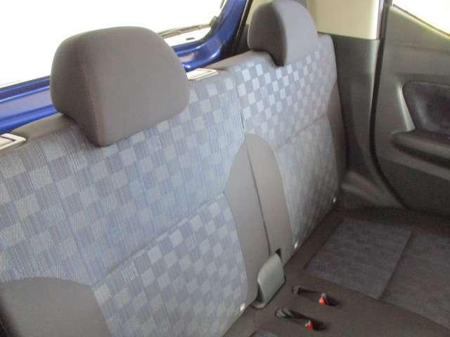 快適な室内空間(^^)/:驚きの広さ(**)!デイズは、前モデルより、ホイールベース延長により、フーガ並みの後席の広さ(^^)