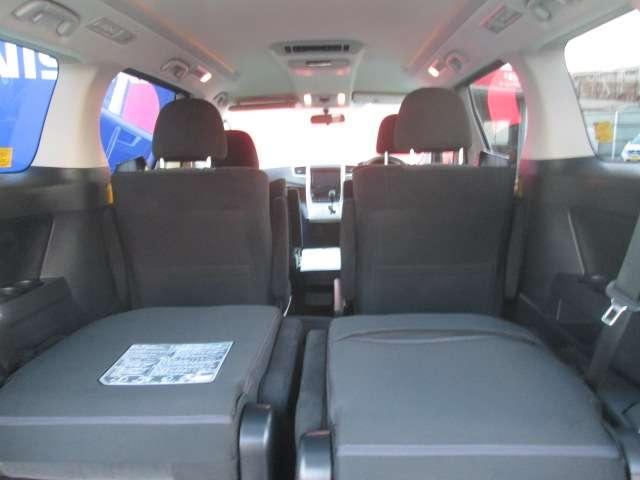後部座席のシートアレンジで荷室が広がる!用途に合わせて賢く使っちゃいましょう◎