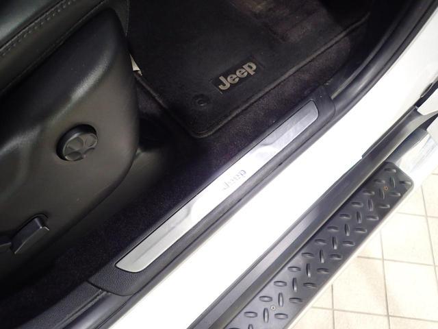 リミテッド 認定中古車保証1年 純正ナビ フルセグ フロントカメラ サイドカメラ バックカメラ レザーシート HIDヘッドライト サイドステップ(16枚目)