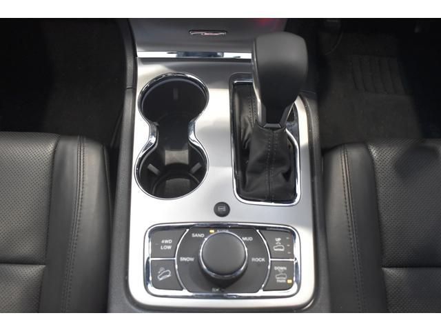 リミテッド 弊社元デモカー 新車保証継承 エアサスペンション AppleCarplay AndoridAuto レザーシート パワーシート シートヒーター シートクーラー ETC アダプティブクルーズコントロール(19枚目)