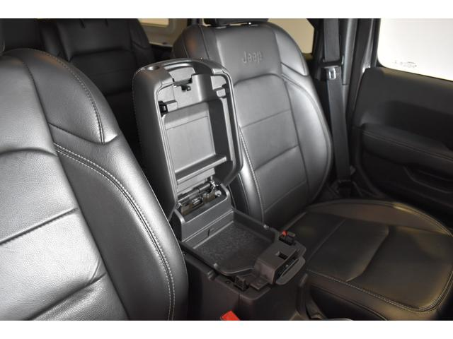 サハラ ワンオーナー車両 LEDヘッドライト LEDフォグライト 18インチアルミホイール ETC2.0 フロントカメラ バックカメラ サイドカメラ SDナビ フルセグ アイドリングストップ(23枚目)