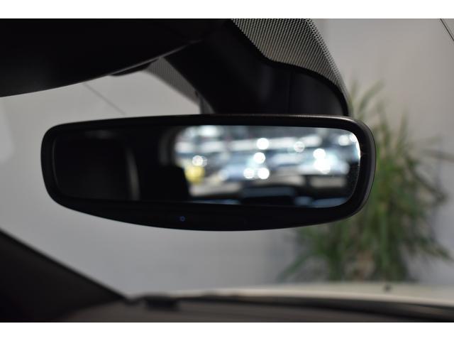 アルティテュード 全国限定135台 HIDヘッドライト LEDフォグライト ハーフレザーシート パワーシート Bluetooth接続 ブラックアクセントJEEPバッジ 純正ブラック20インチAW(60枚目)