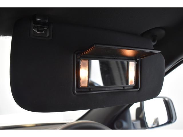 アルティテュード 全国限定135台 HIDヘッドライト LEDフォグライト ハーフレザーシート パワーシート Bluetooth接続 ブラックアクセントJEEPバッジ 純正ブラック20インチAW(61枚目)