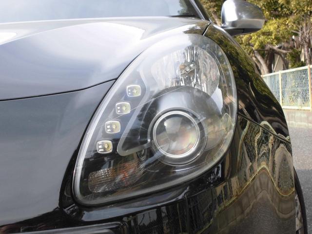 暗い夜道もこの明るいディスチャージヘッドライトです!!LEDのスモールランプもカッコよく光ります!!