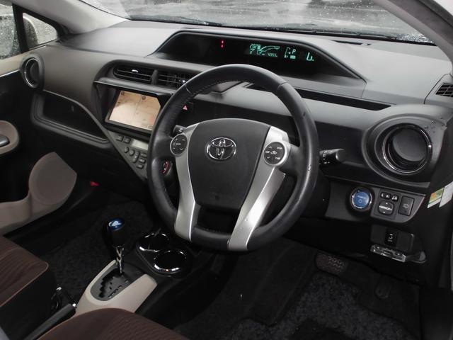 トヨタ アクア G ワンオーナー SDナビ バックカメラ スマートキー