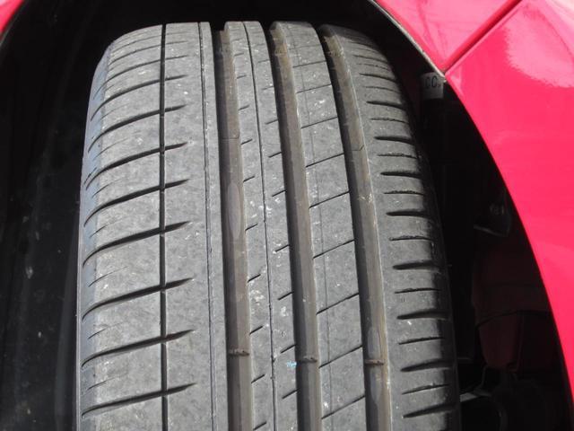 タイヤの山はこんな感じです まだまだ車検も問題なし 納車前に新品交換も可能です お値段ご相談くださいませ