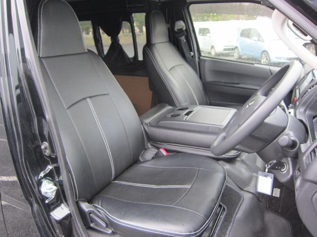 運転席 シンプルでスタイリッシュな操作性の良い運転席です。アイポイントが高く見切りも良いので運転しやすいです。